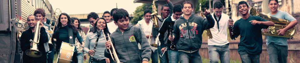 Foto de alunos dos grupos de referência do Projeto Guri