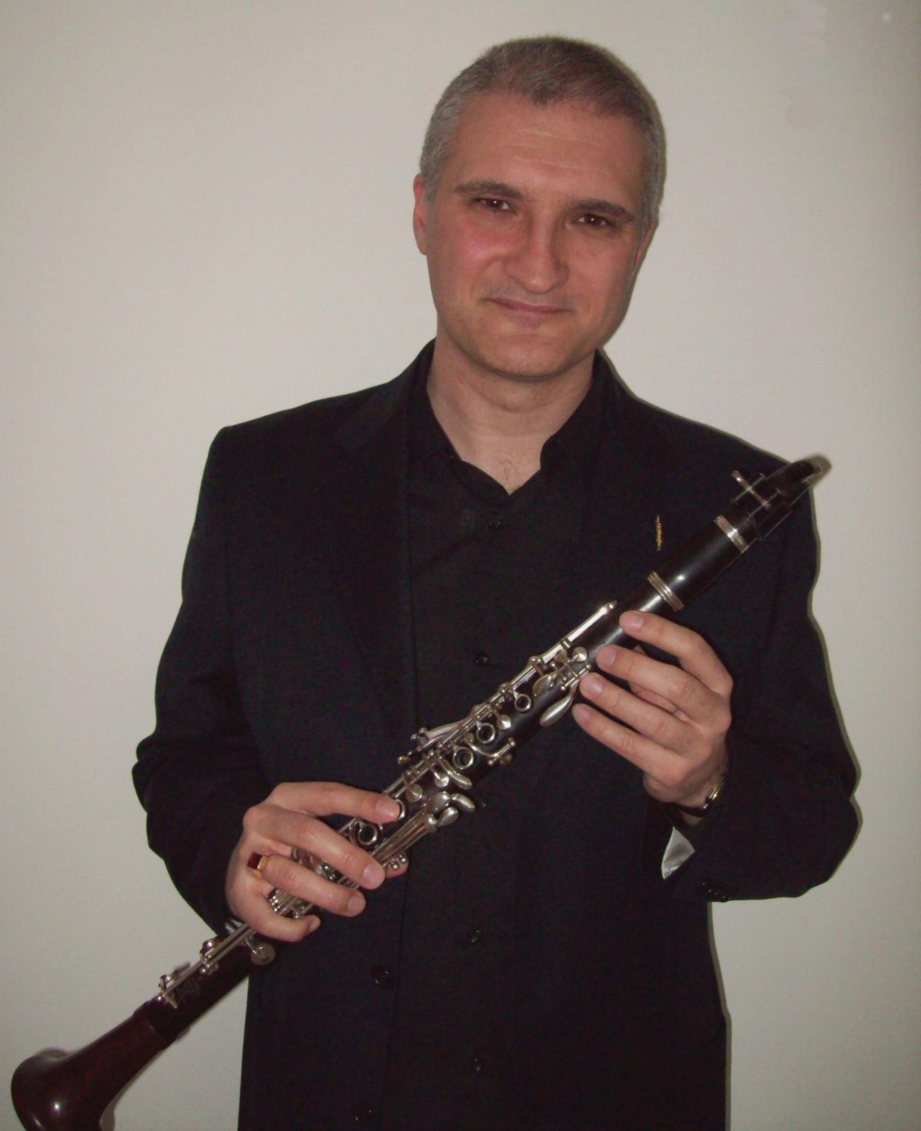 Clarinetista italiano, Luca Luciano toca com o Grupo de Referência de Bauru
