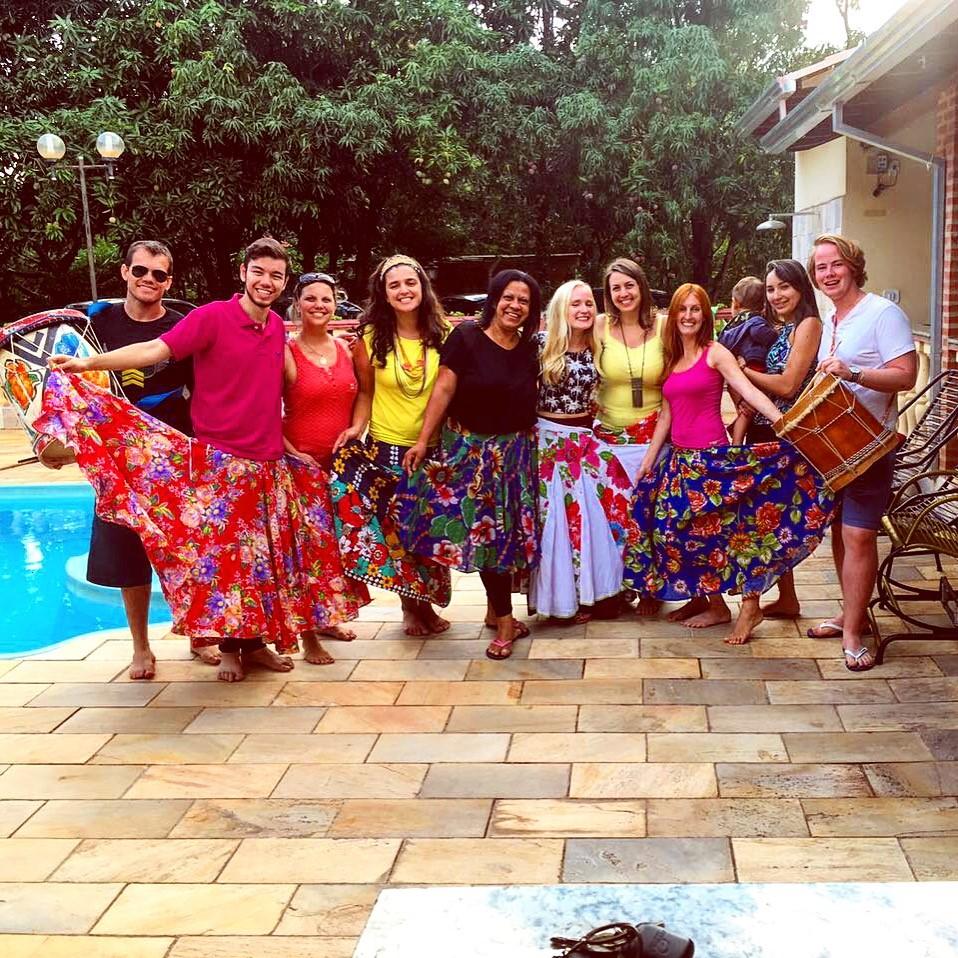 Engristia Irina anima regional do Guri em São Carlos com aula de vestimenta moçambicana